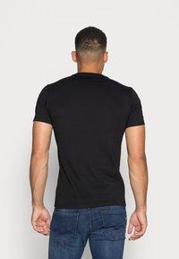 Replay - SHORT SLEEVE - Basic T-shirt - black - 2