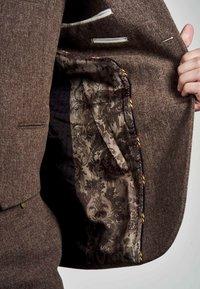 MDB IMPECCABLE - Suit jacket - sand - 3
