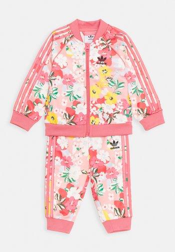 SET - Dres - pink/multicolor/rose