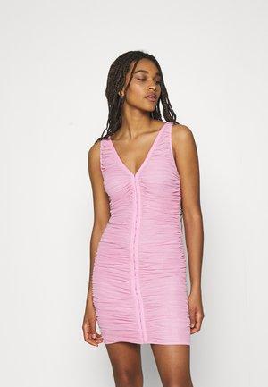 HOOK AND EYE DRESS - Vestido ligero - pink
