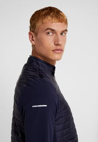 Lacoste Sport - JACKET - Dunjakker - navy blue/white - 3