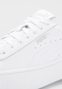 Puma - VIKKY STACKED - Baskets basses - white - 2
