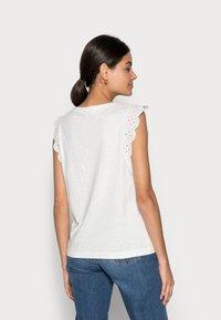 Esprit - ANGLAIS - Print T-shirt - off white - 2