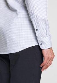Eterna - HAI-KRAGEN SLIM FIT - Formal shirt - blue - 5