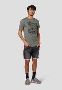 MARCUS - KARLY - Print T-shirt - castor grey - 1