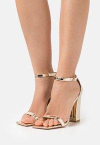 Glamorous Wide Fit - Sandalias - gold - 0