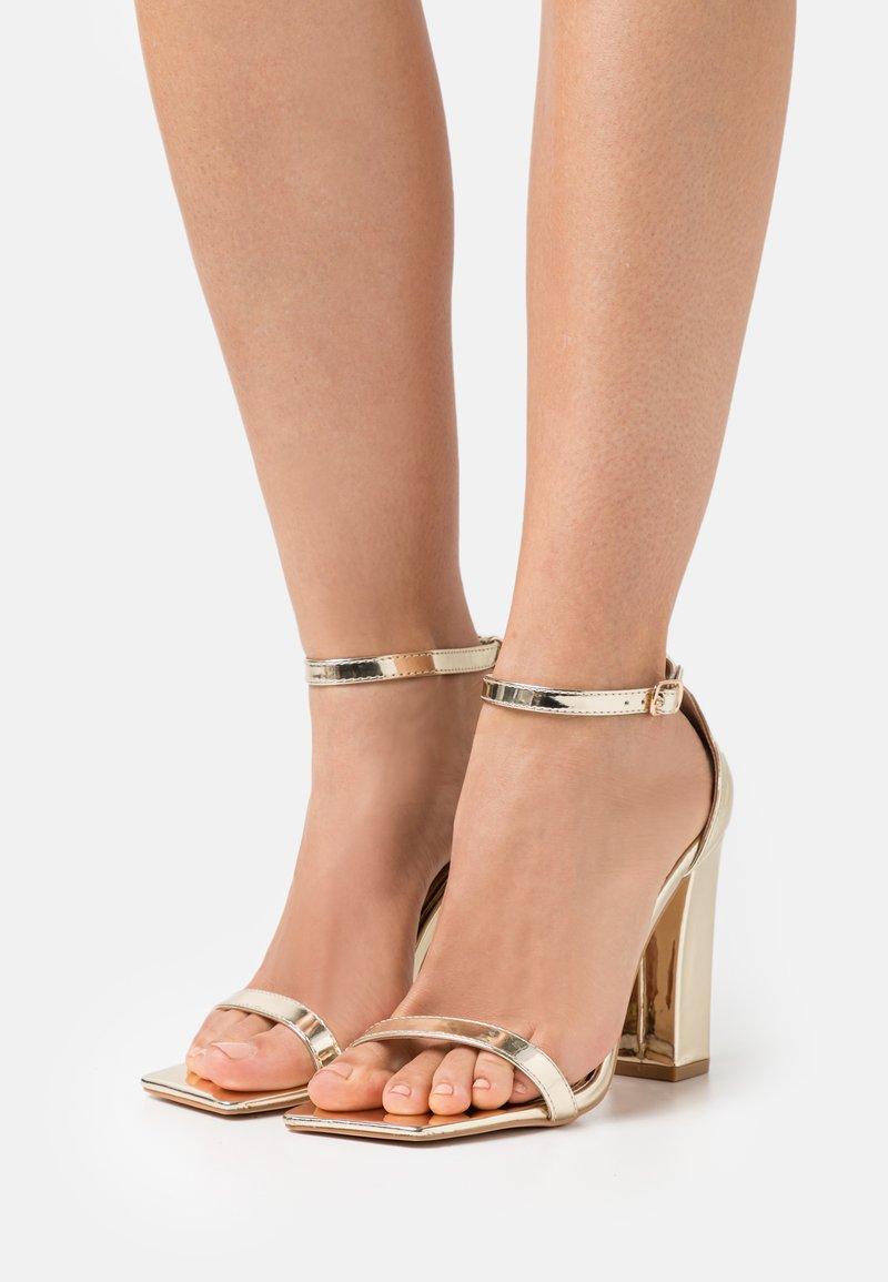 Glamorous Wide Fit - Sandalias - gold