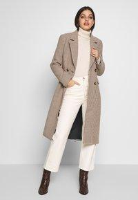 Ivyrevel - TAILORED COAT - Abrigo clásico - white - 1