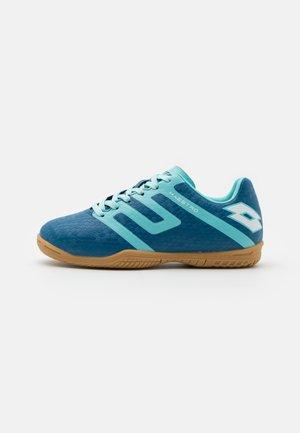 MAESTRO 700 IV ID JR UNISEX - Halové fotbalové kopačky - mykonos blue/blue paradise/all white