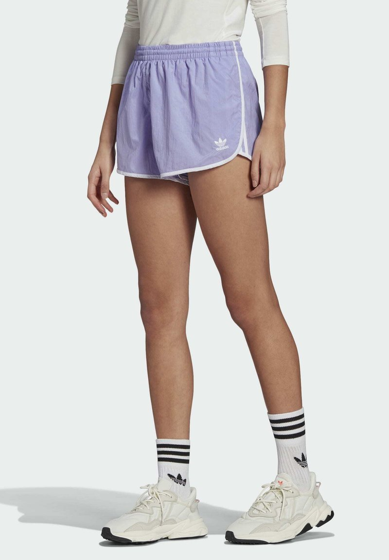 adidas Originals - 3 STRIPES ADICOLORSHORTS - Šortky - light purple
