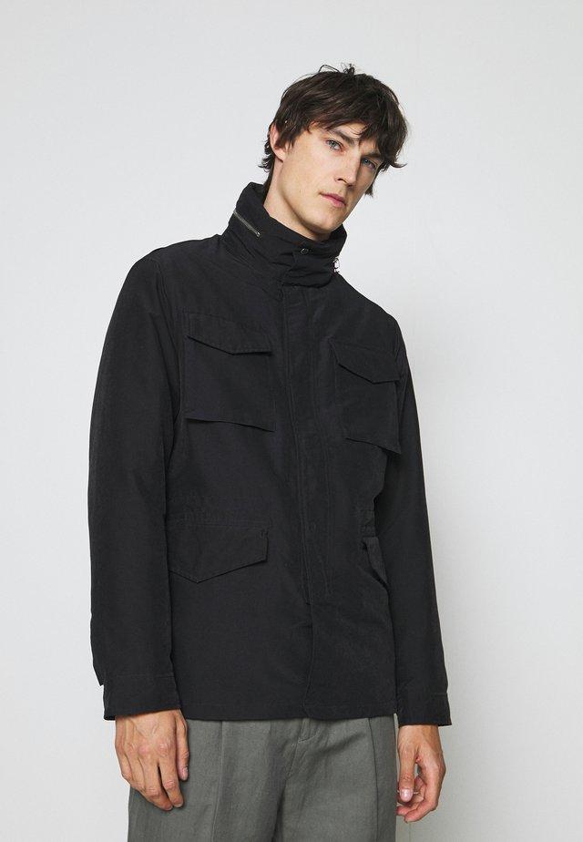 FIELD JACKET - Halflange jas - black