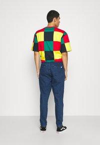 Anerkjendt - AKJULIUS PANT - Jeans Tapered Fit - medium blue denim - 2