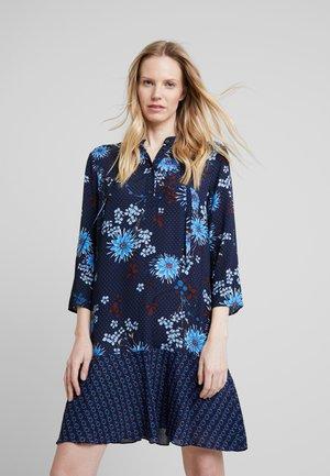 DRESS LOOSE SHAPE BOW DETAIL                                                                                                                                                                            BOW DETAIL AT N - Shirt dress - combo