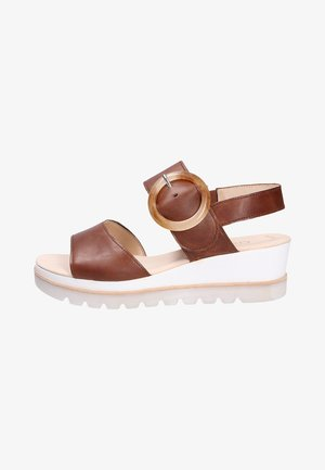 Sandalen met sleehak - peanut
