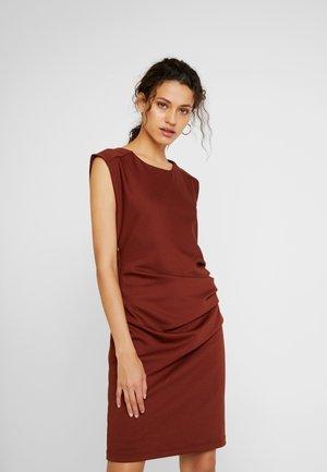 INDIA O NECK - Shift dress - cherry mahogany