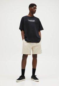 PULL&BEAR - Denim shorts - beige - 1