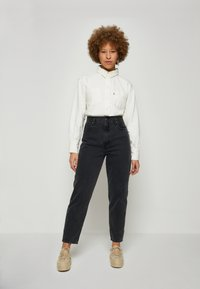 Levi's® - ZOEY PLEAT UTILITY - Button-down blouse - ecru crew - 1