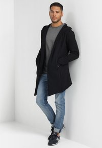 INDICODE JEANS - BREKSTAD - Zip-up hoodie - black - 1