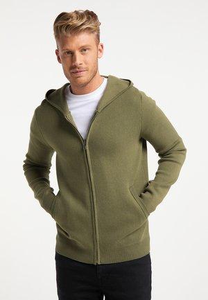 Mikina na zip - militär grün