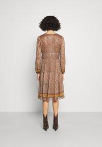 Vanessa Bruno - SLOANA - Denní šaty - ecru - 2