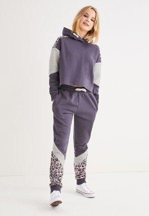 SET  - Tracksuit - grey/dark purple