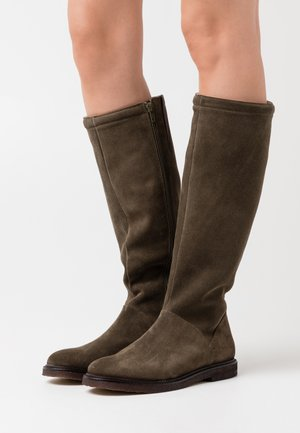 Boots - olive