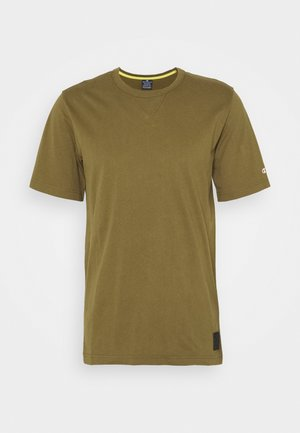 LEGACY CONTEMPORARY MODERN CREWNECK  - Basic T-shirt - olive