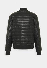 Emporio Armani - Veste en cuir - black - 1