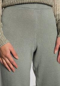 EDITED - GIONA PANTS - Tracksuit bottoms - desert sage green - 4