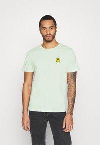 YOURTURN - T-shirt med print - green - 0