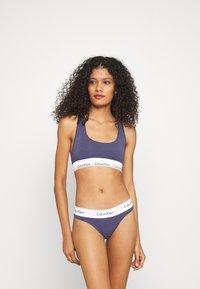 Calvin Klein Underwear - MODERN THONG - Perizoma - blue granite - 1