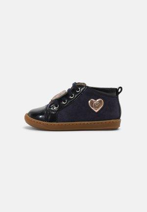 BOUBA HEART - Baby shoes - navy/cooper
