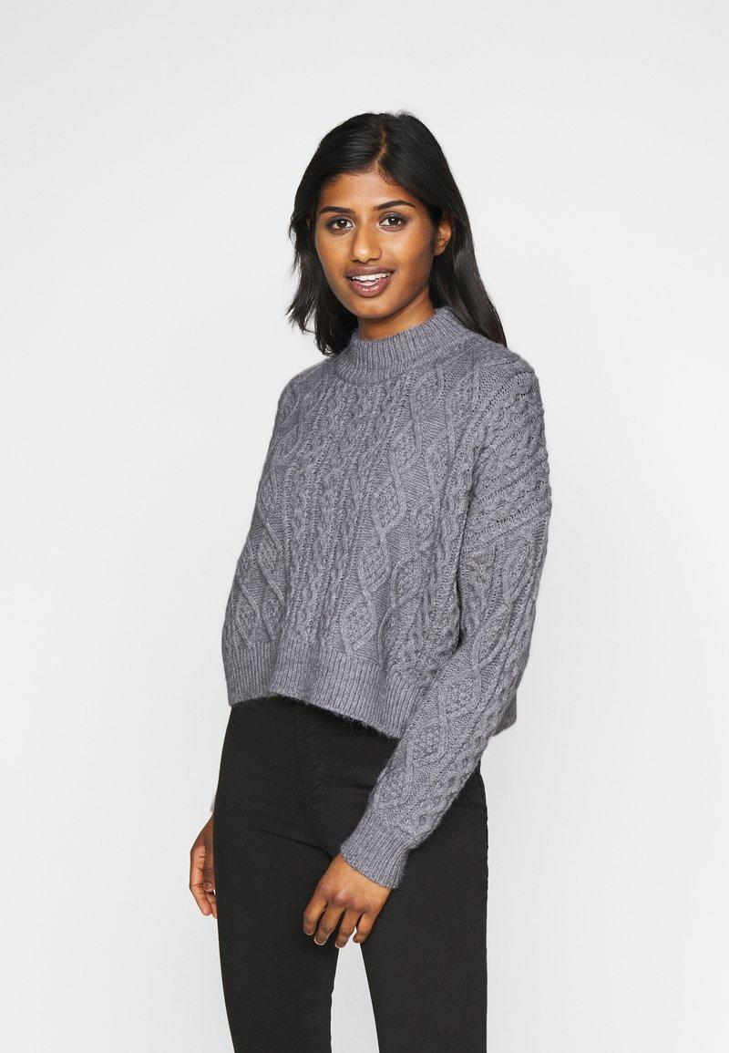 Fashion Union Petite - CABBIE - Jumper - grey