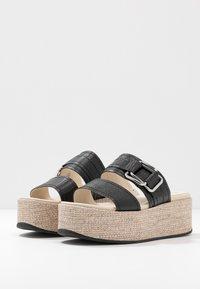 Vagabond - FELICIA - Pantofle na podpatku - black - 5