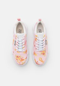 Versace Jeans Couture - Trainers - rose - 4