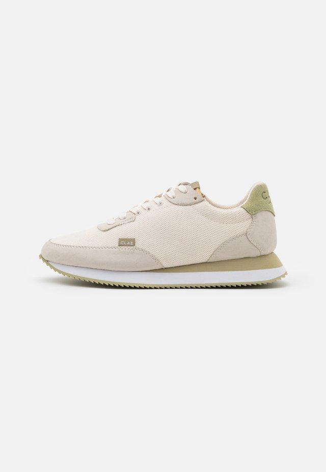 VEGAN SIERRA - Sneakersy niskie - smoke/sage green