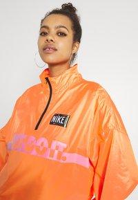 Nike Sportswear - Veste coupe-vent - atomic orange/black - 3
