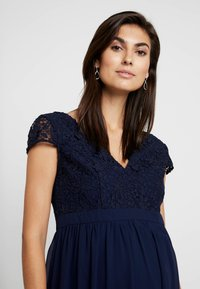 Chi Chi London Maternity - GLYNNIS DRESS - Vestito elegante - navy - 4