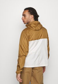The North Face - CYCLONE JACKET UTILITY - Outdoorjas - brown/off-white - 2