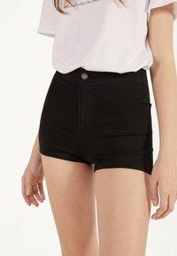 Bershka - Shorts di jeans - black - 3