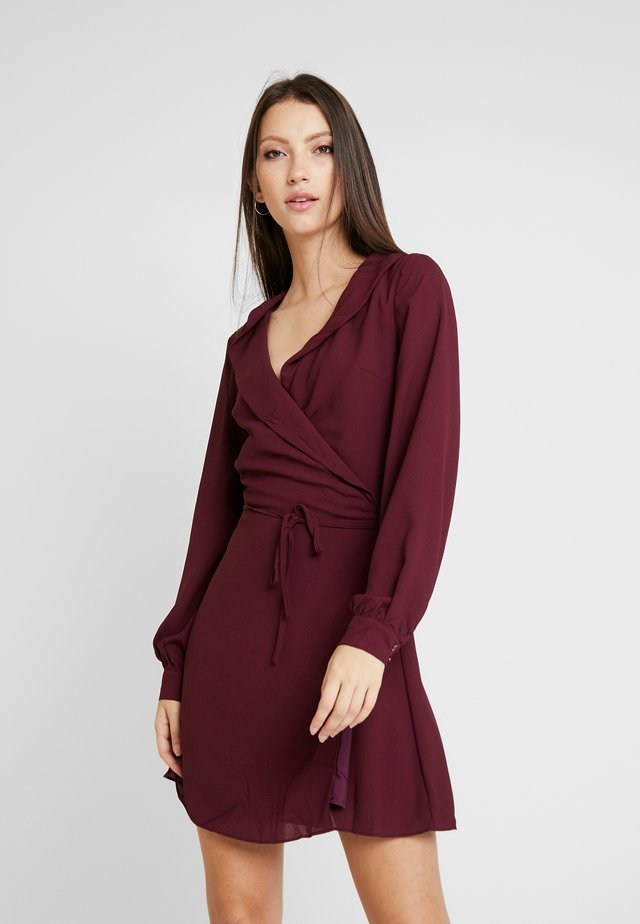 LONG SLEEVE WRAP FRONT DRESS - Day dress - burgundy