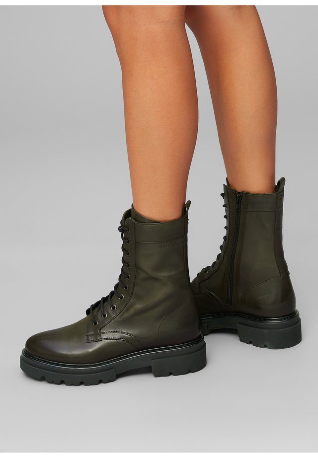 UNDER  - Platform boots - khaki