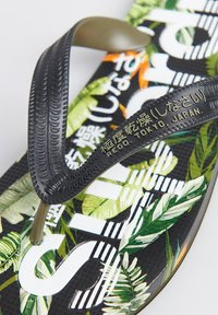 Superdry - SCUBA ALL OVER PRINT - Pool shoes - tara tropical - 1
