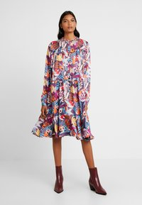 Custommade - FILULA - Shirt dress - roan rouge - 0