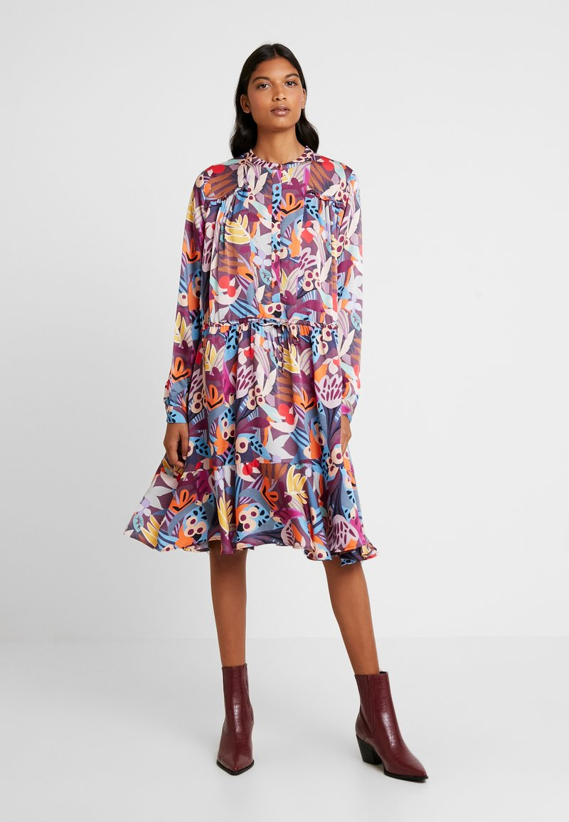 Custommade - FILULA - Shirt dress - roan rouge