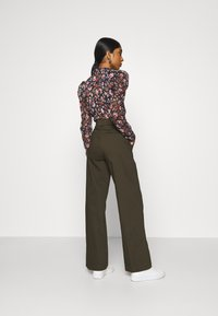 Ivy Copenhagen - ALICE WIDE PANT  - Pantalones - army - 2