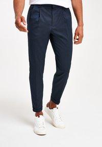 Next - TWIN PLEAT - Pantaloni - blue - 2