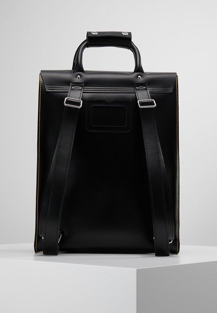 Dr. Martens SMALL BACKPACK - Ryggsekk - black kiev/svart s2u1PeCb5xor7m1