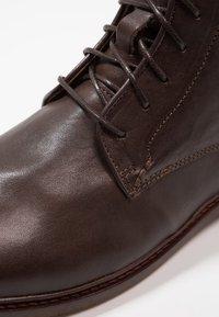 Shoe The Bear - NED - Šněrovací kotníkové boty - brown - 5