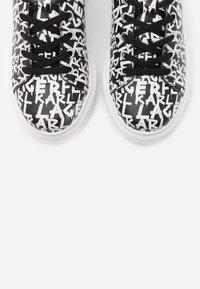 KARL LAGERFELD - KAPRI GRAFFITI LACE - Sneaker low - black/white - 6